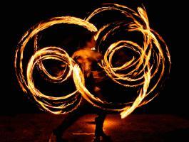 Foto 8 Feuershow, Lichtshow, Stelzenläufer aus Köln/ NRW