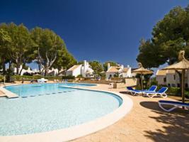 Finca (Reihenhausvilla) mit Meerblick + Pool in Mallorca