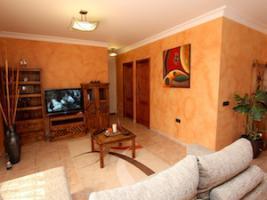 Gemütliches Wohnzimmer mit SAT/TV