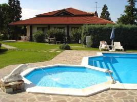 Fine villa in a splendid position at the Garda lake/Italy