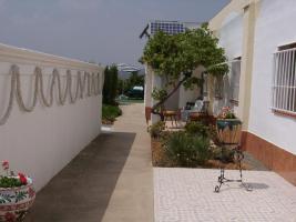 Wohnhaus 2 mit Pool