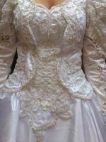 Flensburg Brautkleid, VHB 370 €, ...Brautmode, Hochzeitskleid mit Schleier und Schleppe