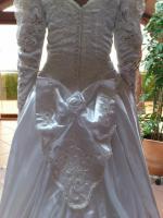 Foto 2 Flensburg Brautkleid, VHB 370 €, ...Brautmode, Hochzeitskleid mit Schleier und Schleppe