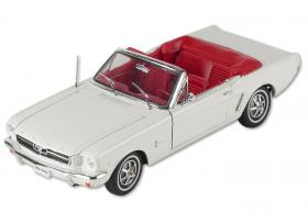 Ford Mustang 1964 1/2 1:18 weiß