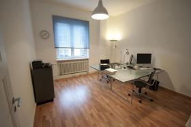 Foto 2 Frankfurt City: schönes und helles Büro 22,5 qm, provisionsfrei