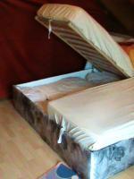 Foto 3 Französisches Bett mit Matratzen und Tagesdecke