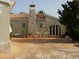 Freistehende Villa mit Paddock in Javea/Spanien