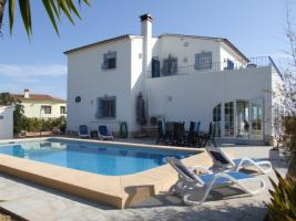 Freistehende Villa mit Pool in Benitachell an der Costa Blanca