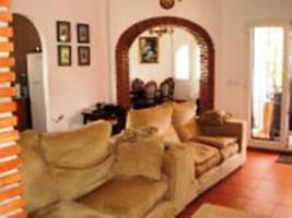 Foto 2 Freistehende Villa liegt in einem populärem Bereich von Els Poblets