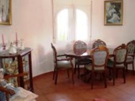 Foto 3 Freistehende Villa liegt in einem populärem Bereich von Els Poblets
