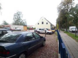 Foto 6 Freistehendes Gewerbegebäude mit großem Grundstück.(Autohandel)