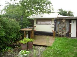 Wohnwagen mit Vorzelt (Länge 6 Meter)