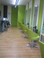 Friseurgeschäft mit neuer Einrichtung