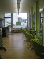 Foto 2 Friseurgeschäft mit neuer Einrichtung