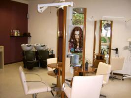 Friseurladen, Friseursalon, Friseurgeschäft
