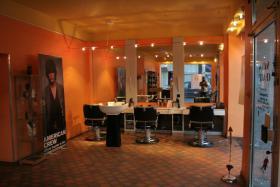 Friseursalon mit hochwertiger Ausstattung und Kundenstamm zu verkaufen!