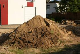 Füllboden Bodenaushub Füllmaterial Berlin Rosenthal zu verschenken