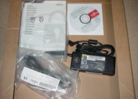 Foto 8 Fujitsu Amilo Pi3660 Display Notebook 46,73cm Win 7