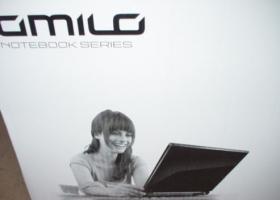 Foto 9 Fujitsu Amilo Pi3660 Display Notebook 46,73cm Win 7