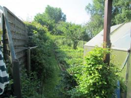 Foto 10 Garten mit Bungalow