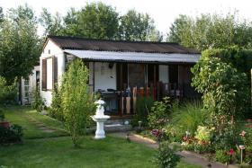 Garten mit Bungalow in Altlandsberg b. Berlin auf 360 qm Pachtland