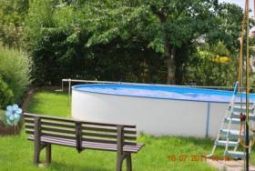garten mit pool und laube in der n he von magdeburg in. Black Bedroom Furniture Sets. Home Design Ideas
