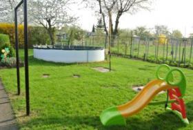 Foto 3 Garten mit Pool und Laube, in der N�he von Magdeburg