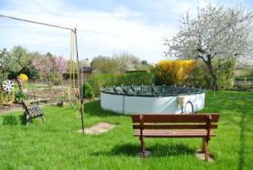 Foto 6 Garten mit Pool und Laube, in der N�he von Magdeburg