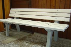 Foto 4 Gartenbänke und Tische