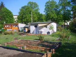 Gartenhaus und Garten