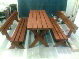 Foto 2 Gartenmöbel aus Holz
