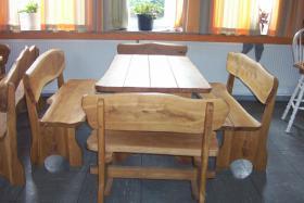 Gartenm�bel Holz Sitzgruppe Tisch + 4 B�nke massiv