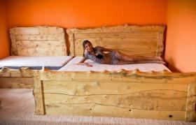 gartenm bel aus massivholz in verschiedenen farben in saaldorf surheim holz gartenm bel set. Black Bedroom Furniture Sets. Home Design Ideas