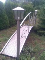 Gartenteichbrücke