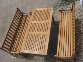Foto 2 Gartentisch aus Eiche