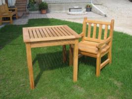 Gartentisch, klein aus Eiche mit Stuhl