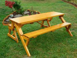 Gartentisch und Gartenbank in einem