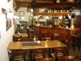 Foto 2 Gaststätte und Verkaufsraum mit zugehörigen Lagerraum zu vermieten