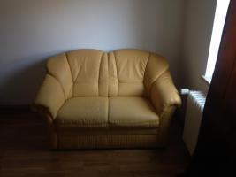 Foto 2 Gelbes Sofa