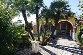 Gemütliche Eckbungalow in Denia Las Marinas an der Costa Blanca