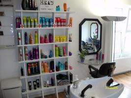 Foto 2 Gemütlicher Friseursalon zu vermieten