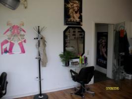 Foto 5 Gemütlicher Friseursalon zu vermieten