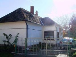 Gemütliches kleines Häuschen auf der Nordwestseite des Balaton