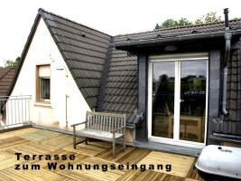 Gepflegte, gemütliche Dachwohnung mit 30qm Terrasse