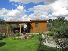 Gepflegter Kleingarten mit Laube, Freisitz und Bewässerungssystem