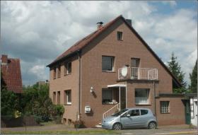 Gepflegtes Zweifamilienhaus in ruh. Ortsrandlage von 38312 Cramme