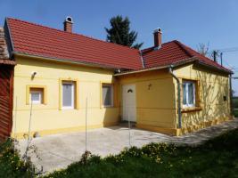 Gepflegtes, renoviertes Haus, Nähe Kisbalaton