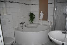 Foto 5 Geräumige 4Raum-Wohnung, hochwertig saniert