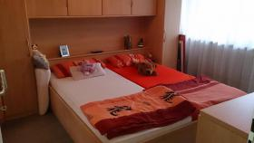 Foto 5 Geräumiges Überbauschlafzimmer in Buche inkl. Bettgestell