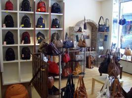 Geschäftsauflösung - (Ohne Einrichtung) Lederwaren und Reisebedarf